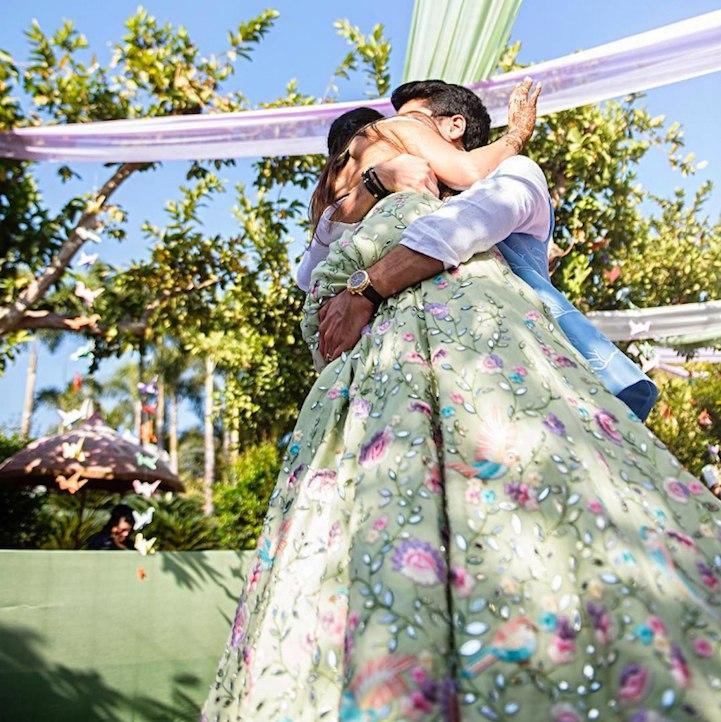 Как сшить платье невесты своими руками (11 фото). О свадебных платьях все на сайте ведущего на свадьбу Волгоград. Павел Июльский - заказ услуг ведущего по номерам: +7(937)-727-25-75 и +7(937)-555-20-20