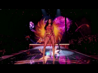 The weeknd - can't feel my face (live from the victoria's secret 2015 fashion show)