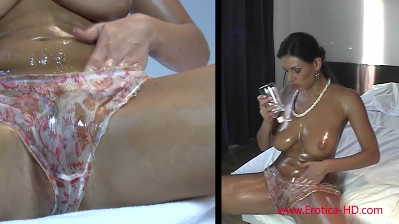 Anita Queen getting slicky with oiled pussy and big boobs