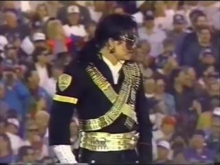 Michael Jackson тут народа больше , чем на любых выборах президента США