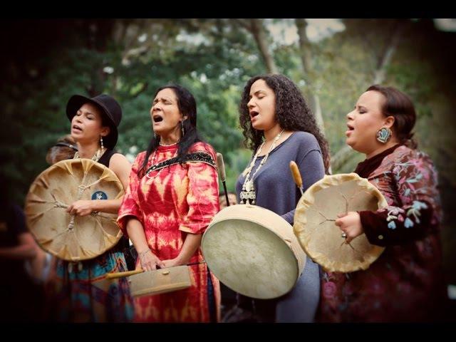 Ulali - Mahk Jchi (Heartbeat Drum Song) - with lyrics translation