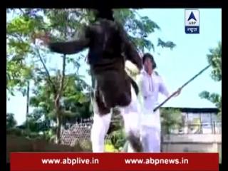 Enemies attack Raja, Rani comes for help