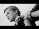 девочка круто поет песню Виктора Цоя Кукушка
