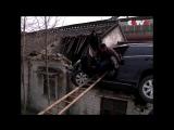Кроссовер Honda CRV приземлился на крышу после того как водитель спутал педали