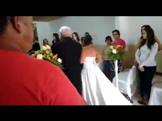 Свадебный музыкант Почему не стоит экономить на музыкантах