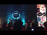 La Roux Bulletproof (Live @ MAC Art Of The Lip)