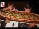 Киев.Едим метровую пиццу ,смотрим покупки ,лизун ,жвачка для рук, играем в игрово ...