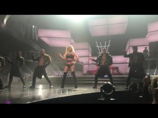 "Britney spears ""work bitch"" las vegas 1⁄18⁄17"
