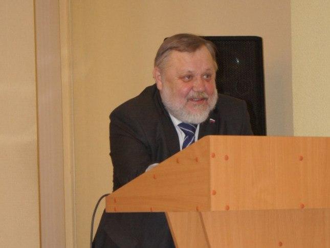 Умер новгородский историк, специалист по истории Древней Руси Василий Андреев
