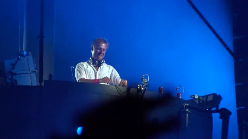 Intro Armin Van Buuren - Live @ Unighted 2009, Stade de France