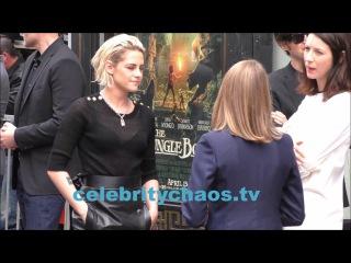 Caitriona Balfe and Kristen Stewart talk with Jodie Foster
