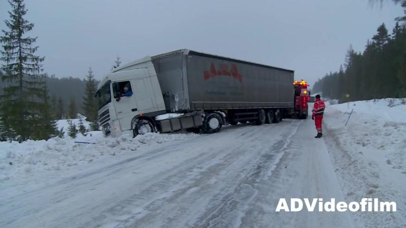 Heavy_Recovery_Volvo_FH16_8x4_vs_DAF_Semitrailer_-_Sweden_(MosCatalogue.ru)