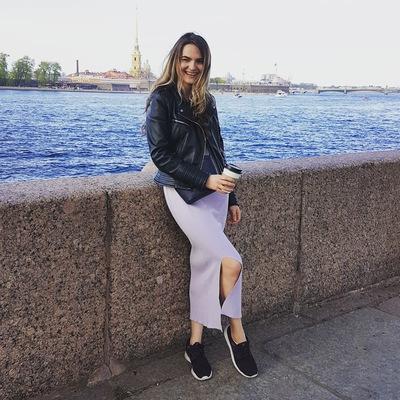 Полина Сапожникова