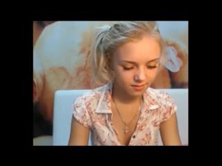 Красотка блондиночка раздевается перед вебкой  сиськи попки жопы задницы голые девушки телки женщины бабы эротика интим разврат