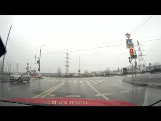 Разворот на перекрестке.. бульвар дд с пересечением ул.старобитцевская