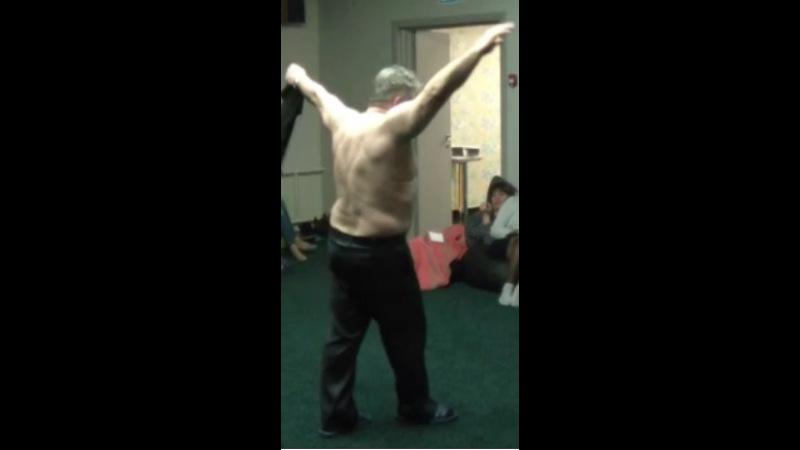 Хасай Алиев. Шок.Большие мышцы без накачки! Физкультура для ленивых. Личный пример.