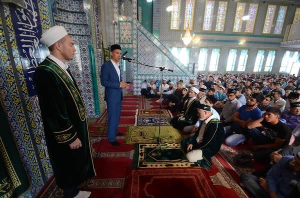 В Альметьевске мусульмане отметили Уразу-байрам