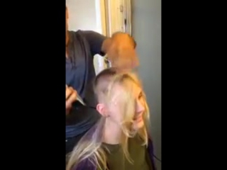 xhamster.com_6125142_hot_blonde_lets_friend_buzz_her_hair