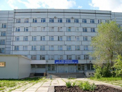 В Тольятти 2-летнюю девочку, которую мама выкинула из окна, выписали из больницы Z8vVZ3tUjaU