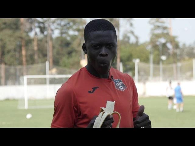 Темнокожий футболист зовет всех в Россию [RUSENG SUB] Black footballer invites all to Russia