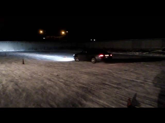 SUBARU Legacy (Субару Легаси) по льду. Центр вождения