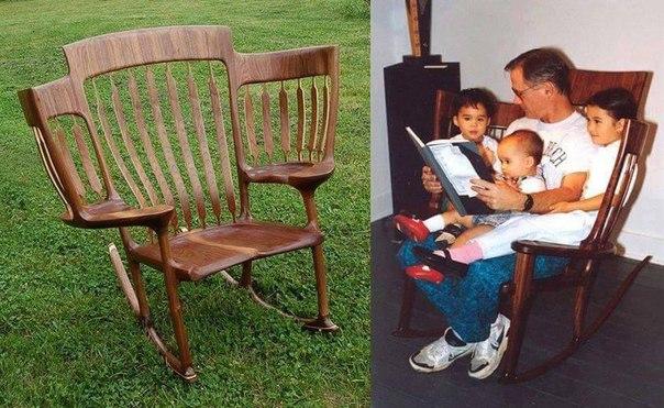 Дедушка придумал вот такое кресло, чтобы сидеть с внуками. Как вам?