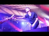 Дима Билан уронил микрофон на концерте в Новосибирске
