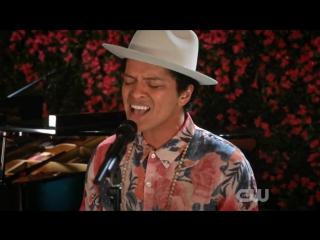 Бруно в финальной серии американского телесериала «Девственница Джейн», поет - «Rest Of My Life»