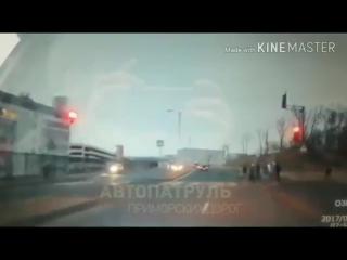 Женщина во Владивостоке сбила несколько человек (6 sec)