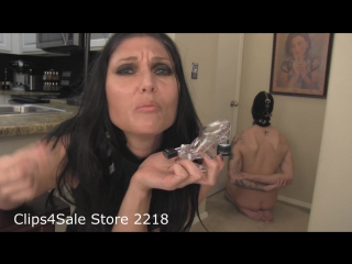 Barefoot princess melanie - even small dicks need to be jerked