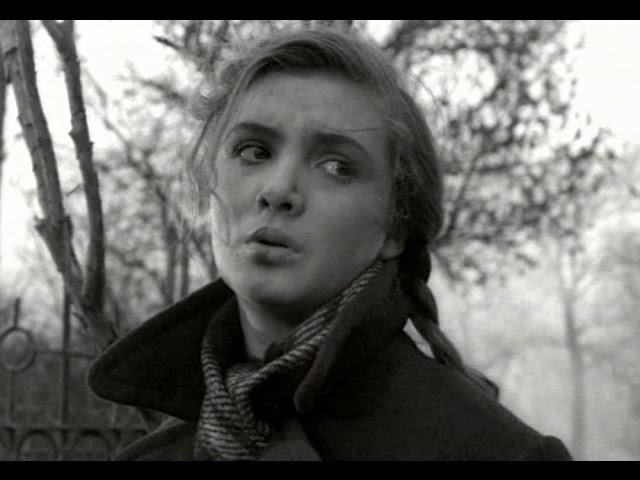 Повесть о первой любви (Oдесская киностудия, 1957). В гл. ролях -- Джемма Осмоловская и Кирилл Столяров.