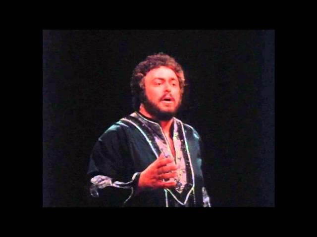 Pavarotti sings Nessun Dorma in 1979