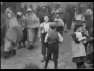 بريطانيا في عام 1901 كانت من أهم أولوياتها أن ترتدي المرأة الحجاب وكان هذا يعتبر من ضمن ثقافتهم