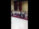 младшая группа выходного дня выполняет звуковой этюд