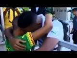 Дети встречают легенд футбола со слезами счастья [Тупой Подкат] [720р]