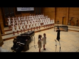 Детский хор поёт известную песню группы Metallica