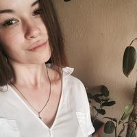 Яна Николаева