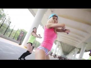 sochnie-popki-striptiz