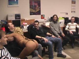 Выст в офисе на 23 Февраля от Девушек Мужскому коллективу - Рикки ( с полным стриптизом) от Катерины заказчицы