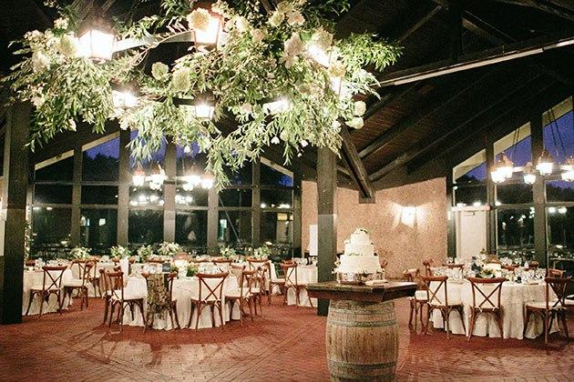 YcKOZqG8yf8 - Необыкновенно романтическая свадьба (30 фото)