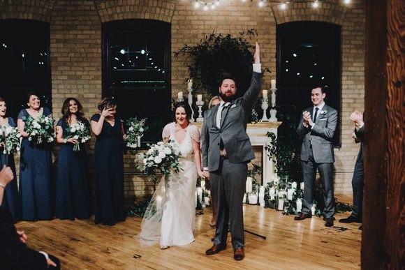 qcxQrHqEKFg - Свадьба Тайлера и Лорен (30 фото)