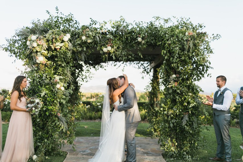 4ZlU9XR Uz4 - Свадьба у подножия утеса (30 фото)
