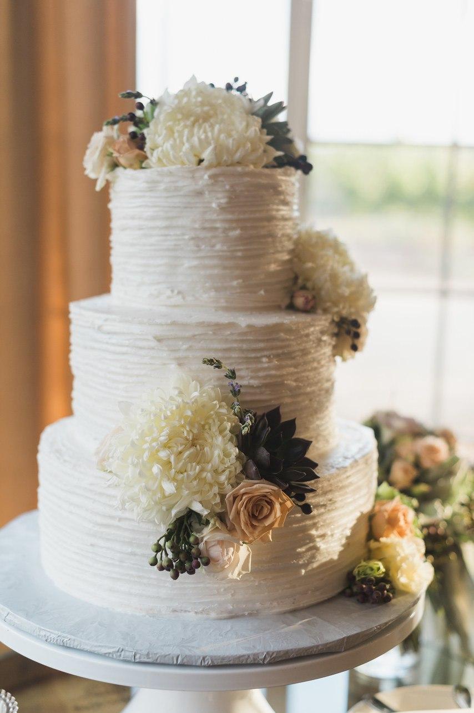 3nPfkiHOFWo - Свадьба у подножия утеса (30 фото)