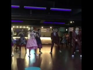 Showry fb OMG - 딴따라댄스홀 10주년에 화이짱오빠초대