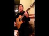 Казах красиво поет под гитару ( Нурым Куаныш)
