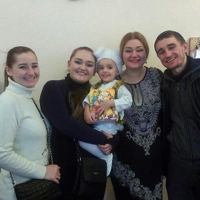 Наталія Май та її співоча родина  b10dccd235de0