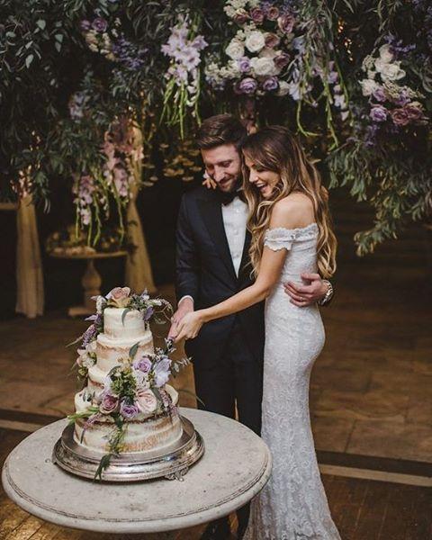 L I8F848GIc - Свадебные торты 2017 (25 фото)