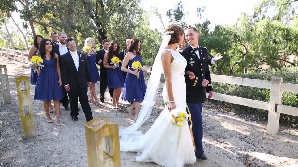 Осенняя свадьба в живописном парке (16 фото)