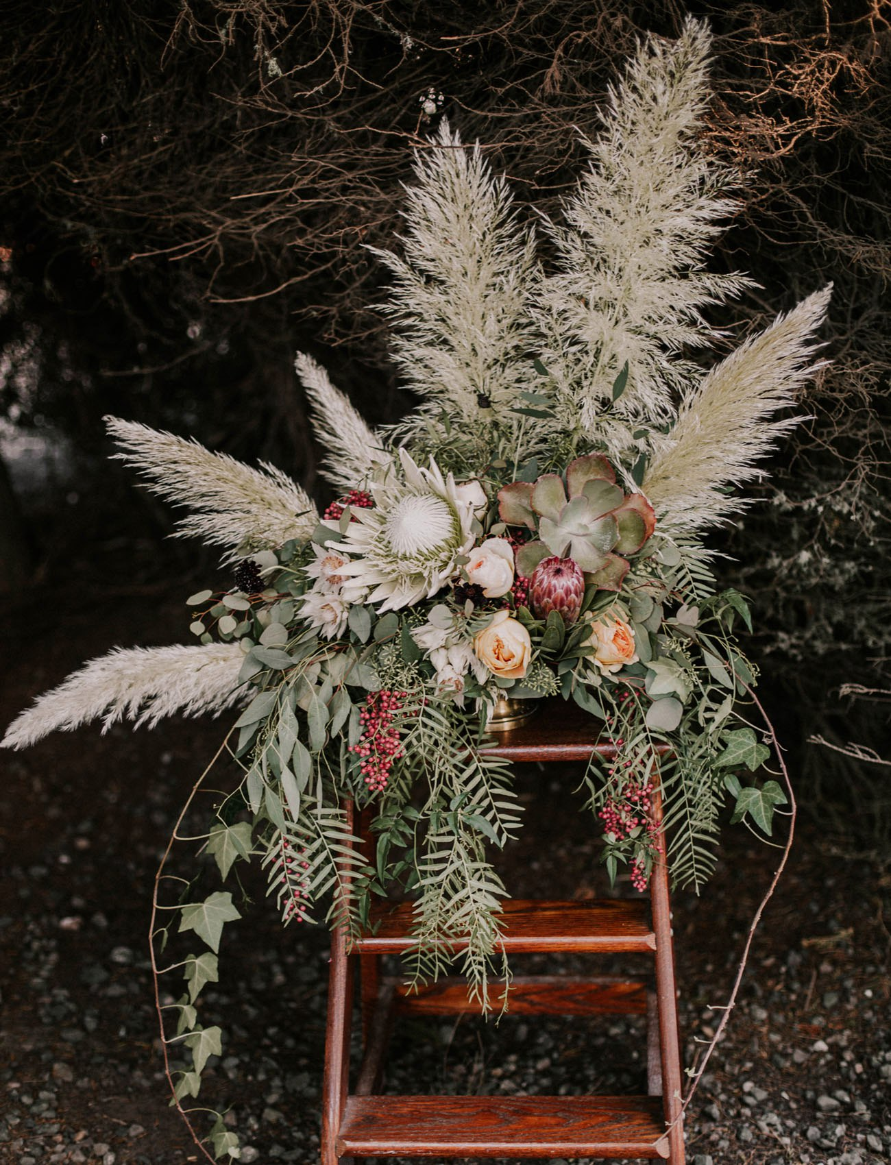 2OqbkAOQEp4 - Свадьба в заповедном лесу на берегу океана (26 фото)