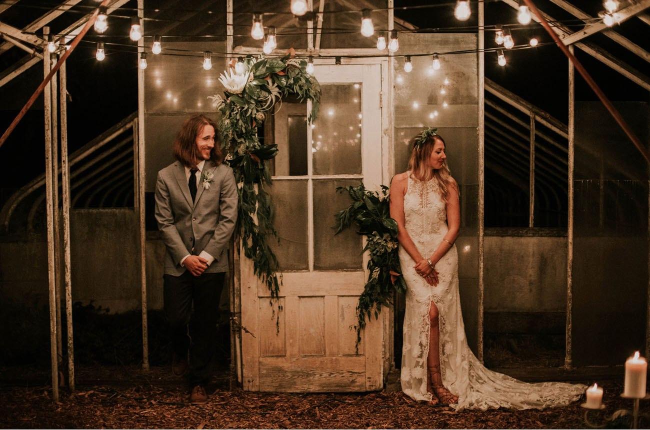 cUOD5hjp1IA - Свадьба в заповедном лесу на берегу океана (26 фото)